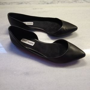 Steve Madden Pointed Flat Black Ballet Shoes